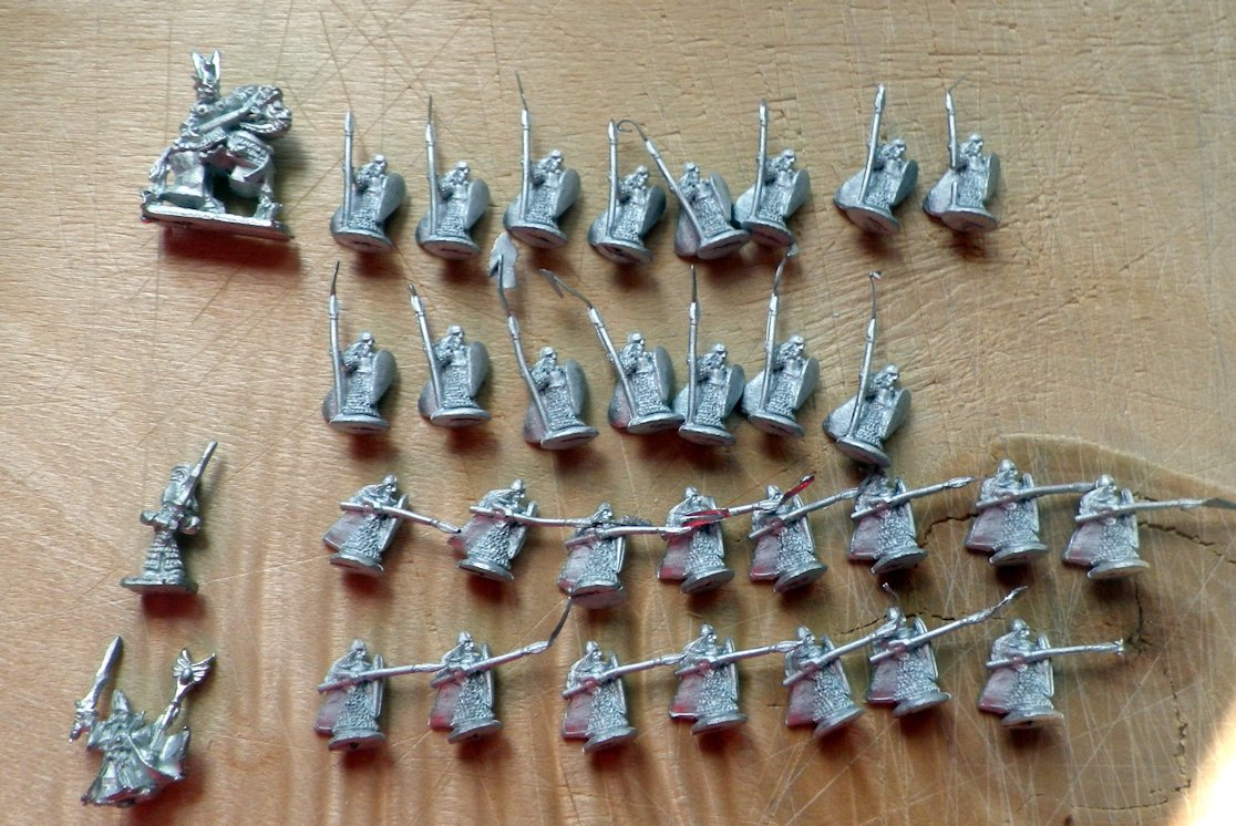 Eureka 400FAN23 Elves with spears