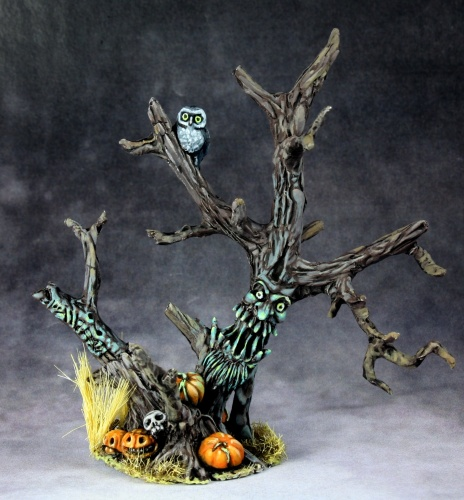 03692 Halloween Tree (e Jason Wiebe)