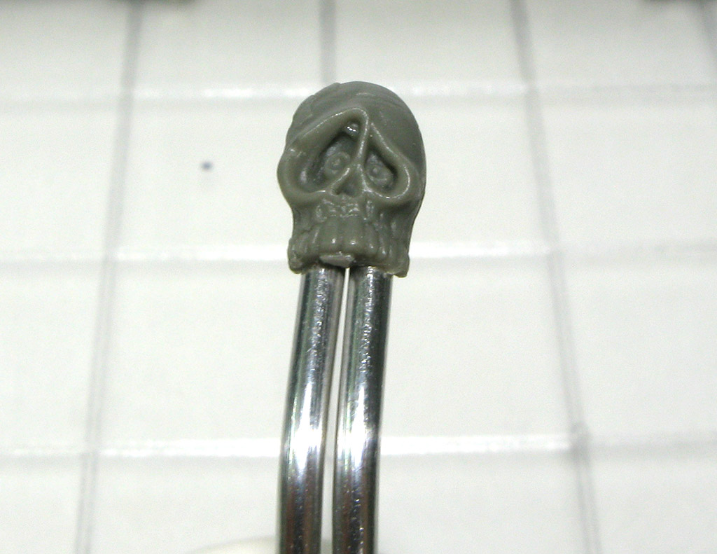 MiniatureHolding06