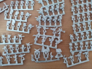 Infantería variada que va de cabeza a mi ejército del Caos