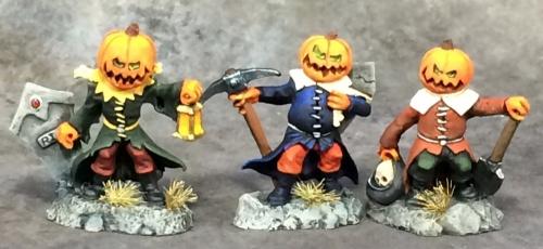03677 Pumpkin minions (e Bob Ridolfi, p Katie Sommers)